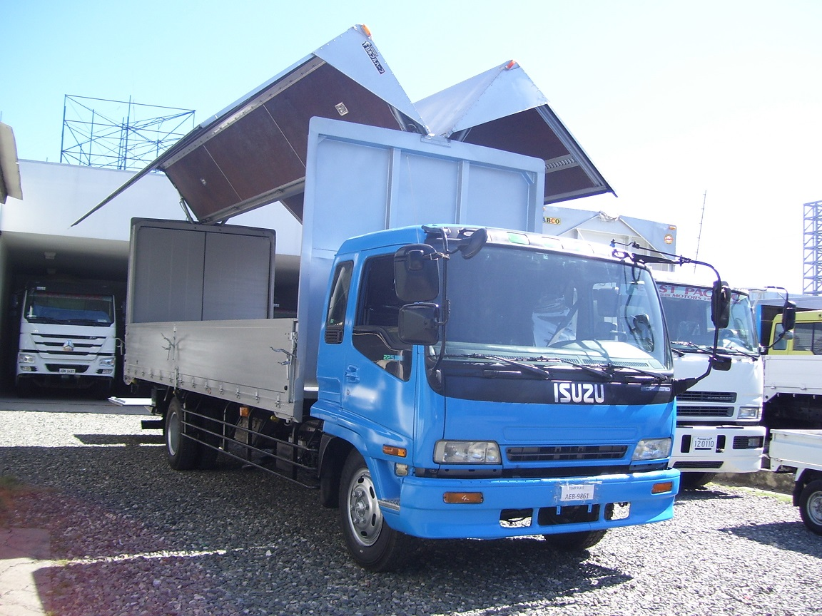 Isuzu Forward Giga Wingvan with Power Tail Gate -SOLD