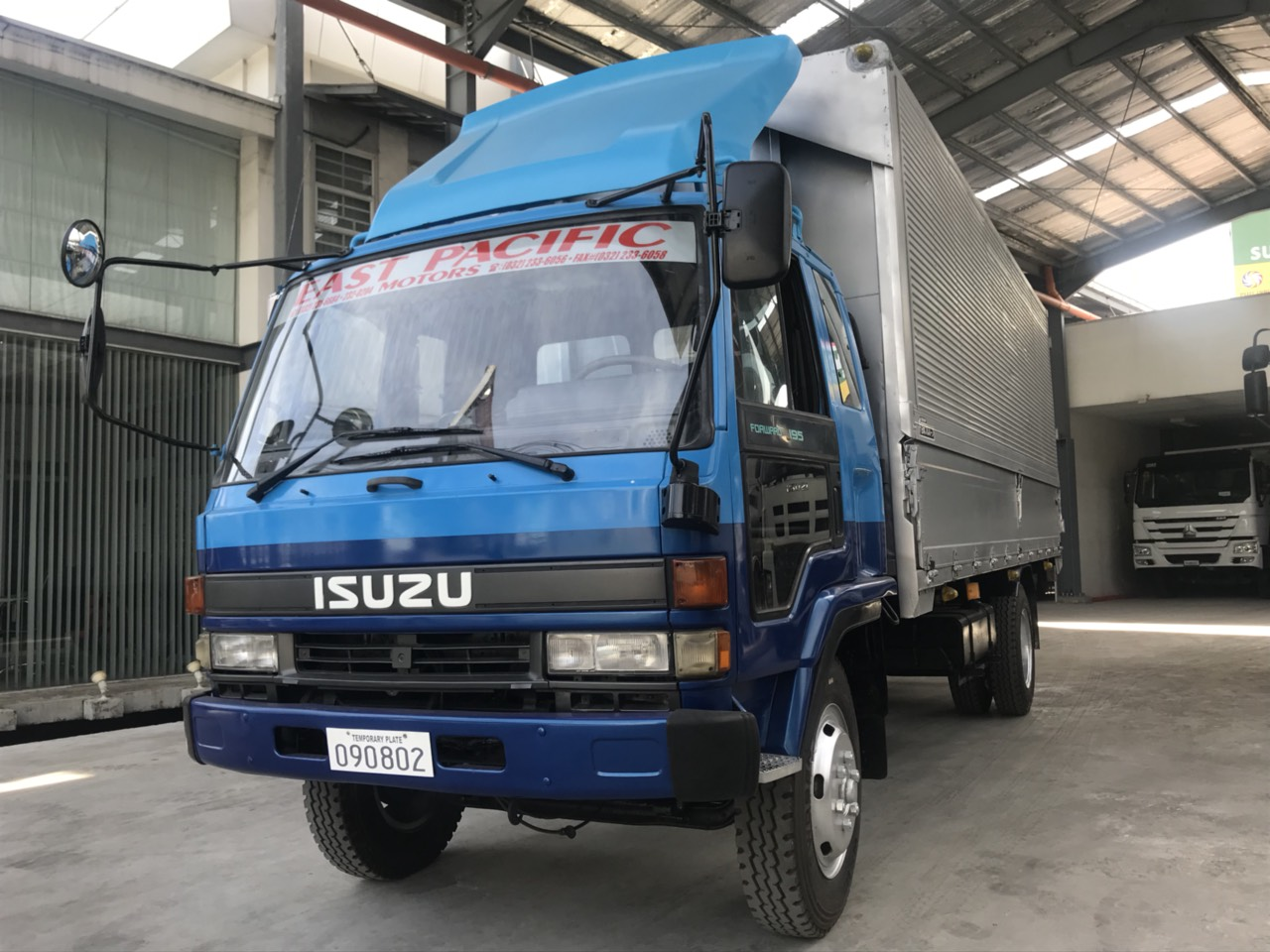 Isuzu Forward Wingvan -SOLD